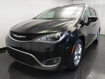 2017 Chrysler Pacifica Touring-L - 1120146573
