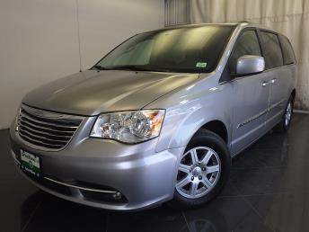 2013 Chrysler Town and Country - 1150093563