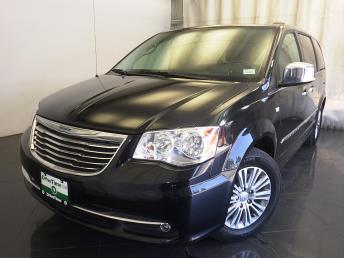 2014 Chrysler Town and Country - 1150095545