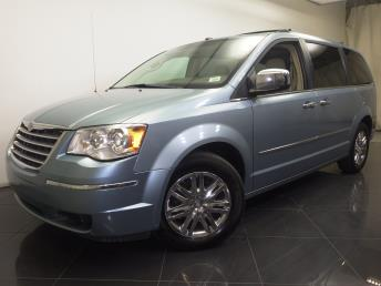 2008 Chrysler Town and Country - 1190098253