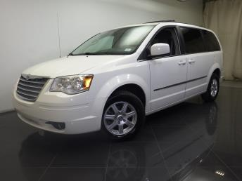 2010 Chrysler Town and Country - 1190102356