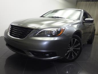 2013 Chrysler 200 - 1190104241
