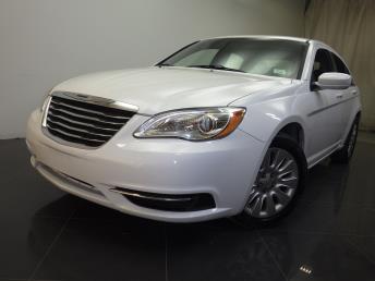 2012 Chrysler 200 - 1190105061