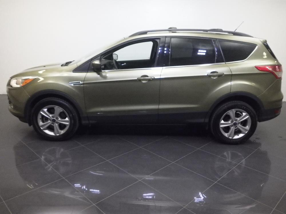 how to connect phone to ford escape 2013 aux
