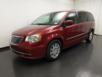 2016 Chrysler Town and Country Touring - 1190118380