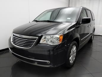 2016 Chrysler Town and Country Touring - 1190118711