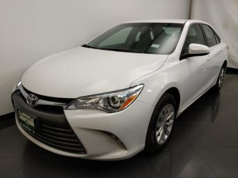2016 Toyota Camry LE - 1190119488