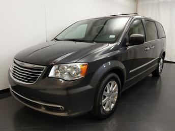 2016 Chrysler Town and Country Touring - 1190119689