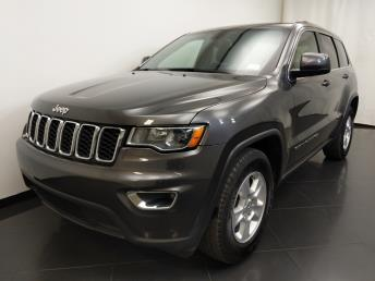 2017 Jeep Grand Cherokee Laredo - 1190120122