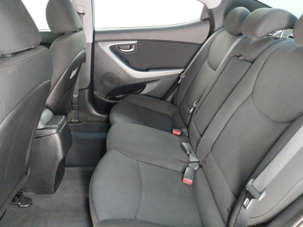 2015 Hyundai Elantra SE - 1190120541