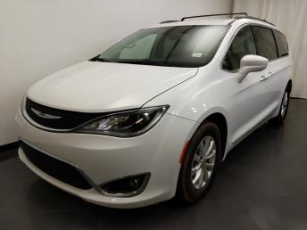 2017 Chrysler Pacifica Touring-L - 1190121460