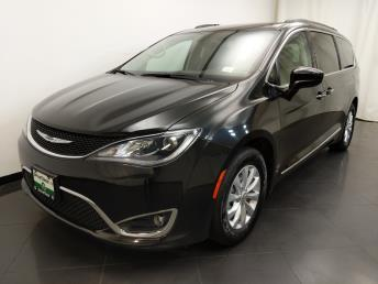 2017 Chrysler Pacifica Touring-L - 1190121463