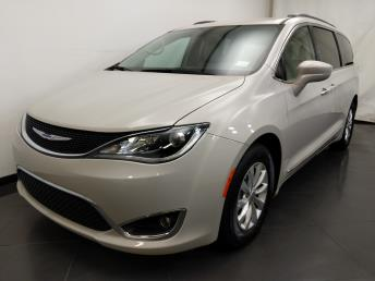 2017 Chrysler Pacifica Touring-L - 1190121465