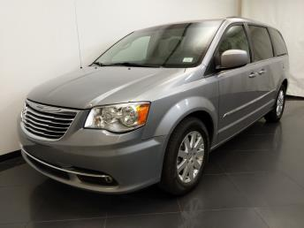 2013 Chrysler Town and Country Touring - 1190122323