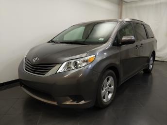 2017 Toyota Sienna LE - 1190124331