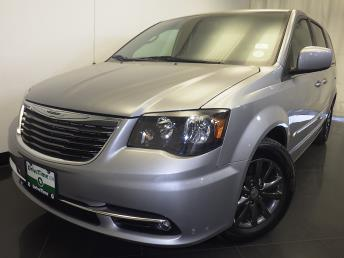 2015 Chrysler Town and Country - 1230030422
