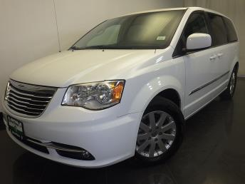 2016 Chrysler Town and Country - 1230030453