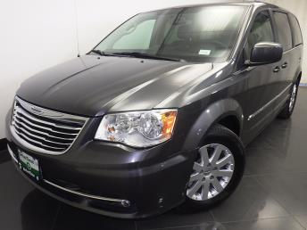 2016 Chrysler Town and Country Touring - 1230030743