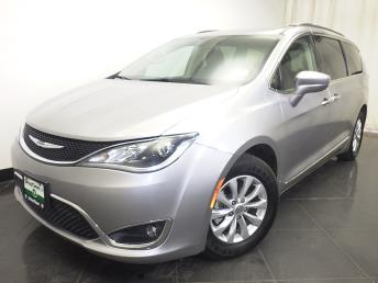 2017 Chrysler Pacifica Touring-L - 1230031007