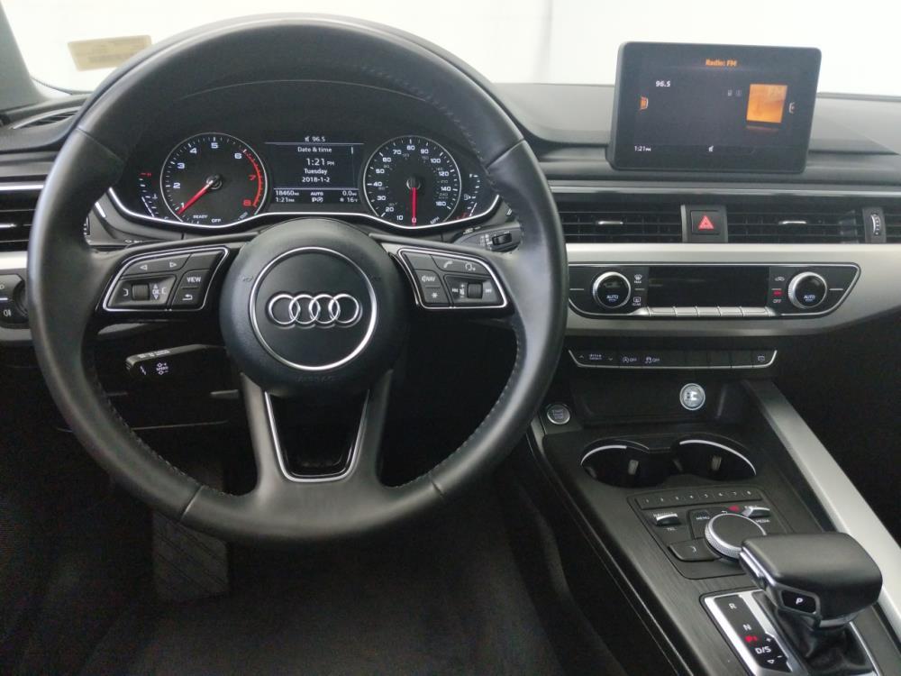 2017 Audi A4 Premium - 1230031396