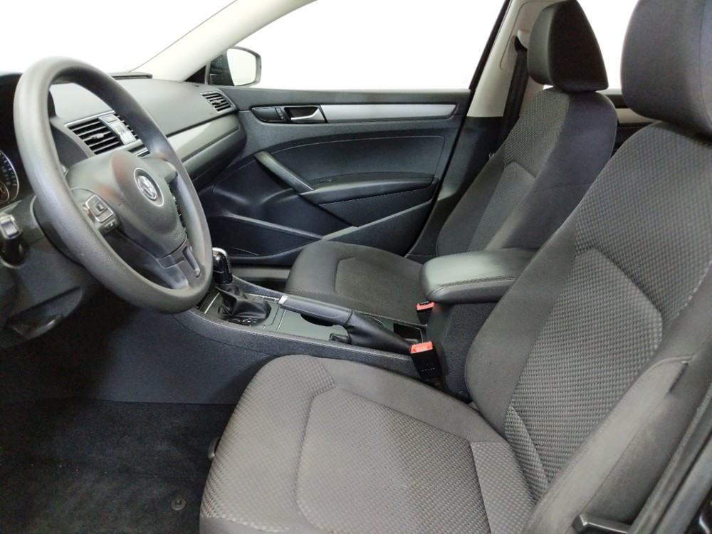 2014 Volkswagen Passat 1.8T S - 1230032943