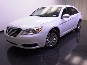 2013 Chrysler 200 - 1240021123