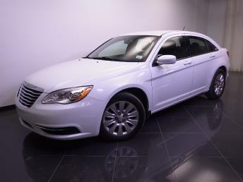 2013 Chrysler 200 - 1240021492