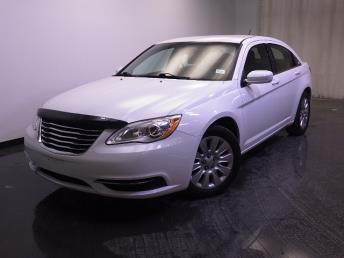 2013 Chrysler 200 - 1240021587