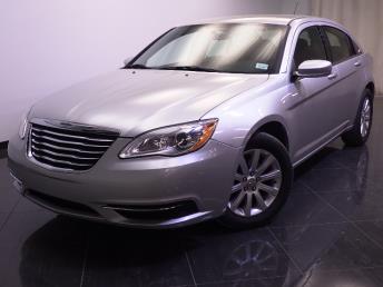 2012 Chrysler 200 - 1240022611