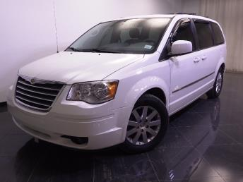 2010 Chrysler Town and Country - 1240022734