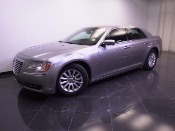 2014 Chrysler 300 - 1240022811