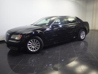 2012 Chrysler 300 - 1240023351
