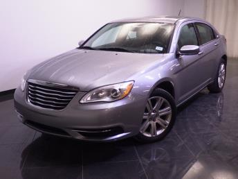 2013 Chrysler 200 - 1240023415
