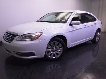 2014 Chrysler 200 - 1240024313