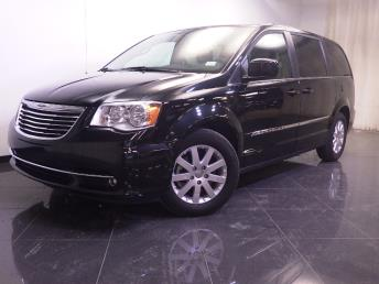 2016 Chrysler Town and Country - 1240025787