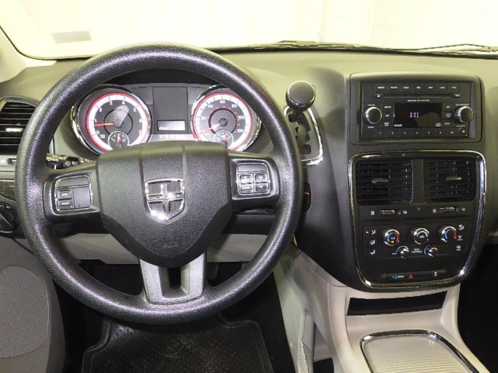 2016 Dodge Grand Caravan SXT - 1240026036