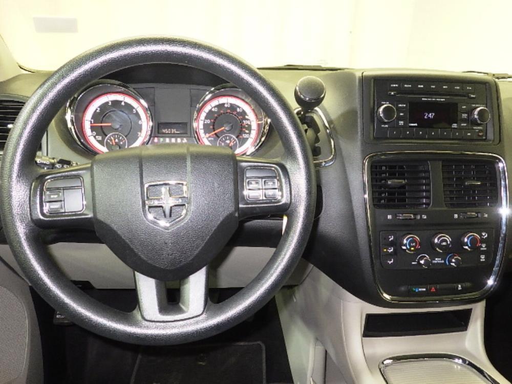 2016 Dodge Grand Caravan SXT - 1240026037