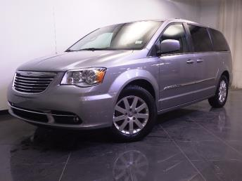 2016 Chrysler Town and Country - 1240026474