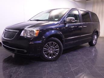 2014 Chrysler Town and Country - 1240026487