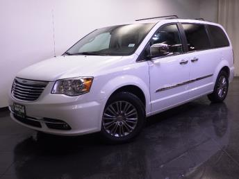 2014 Chrysler Town and Country Touring-L - 1240027616