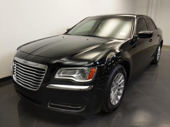 2014 Chrysler 300 300 - 1240029076
