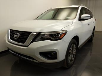 2017 Nissan Pathfinder SV - 1240029511