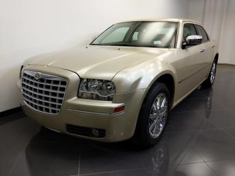 2010 Chrysler 300 Touring Signature - 1240030823