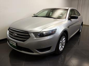 2015 Ford Taurus SE - 1240030869