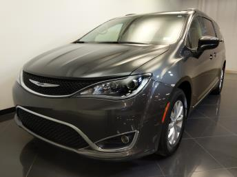 2017 Chrysler Pacifica Touring-L - 1240031209