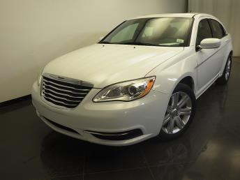 2013 Chrysler 200 - 1310011915