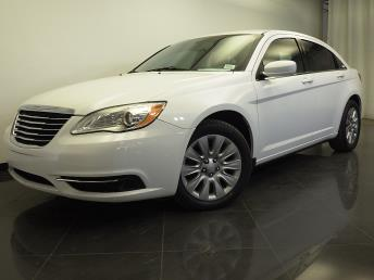 2014 Chrysler 200 - 1310012326
