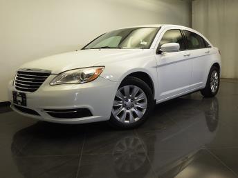 2013 Chrysler 200 - 1310012524
