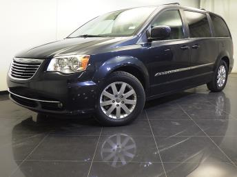 2014 Chrysler Town and Country - 1310012770
