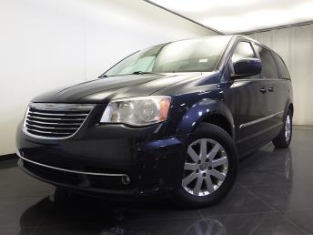 2013 Chrysler Town and Country - 1310013842